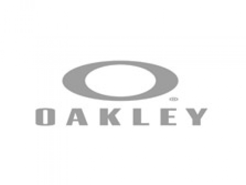 partner_04_oakley_bw